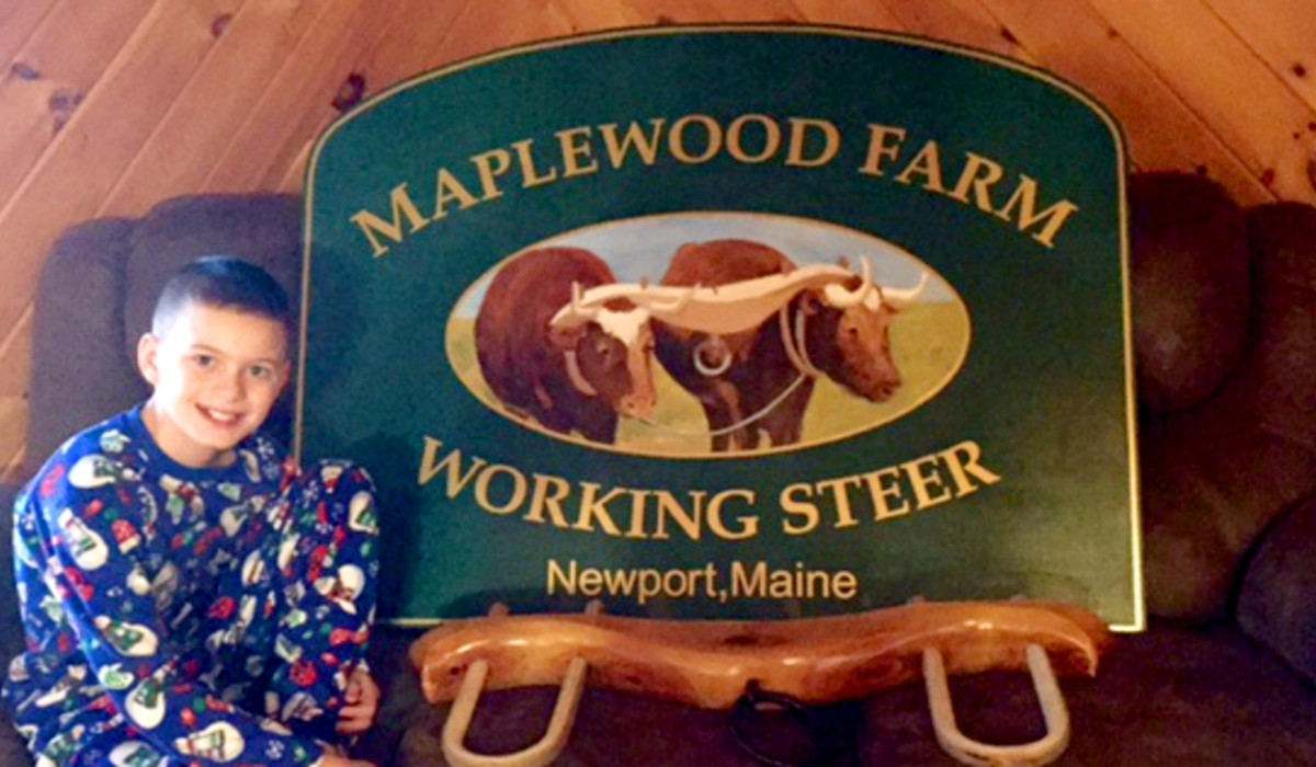 Maplewood Farm's new sign