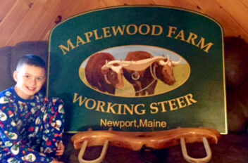 Maplewood Farm sign