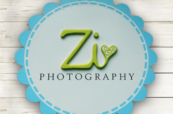 Zi Photography sign